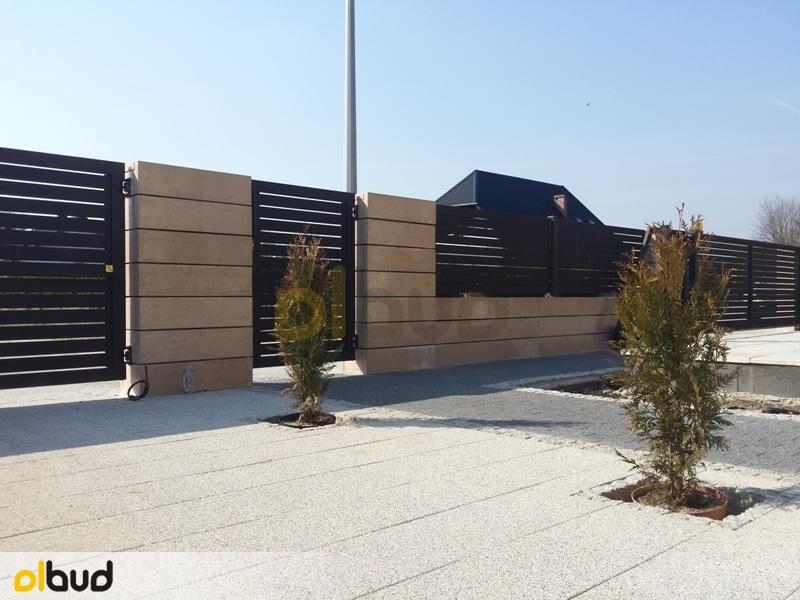 Ogrodzenie Posesji Prywatnej W Gostyniu: Nowoczesne Ogrodzenie Poziome Na Posesji W Kąpinie