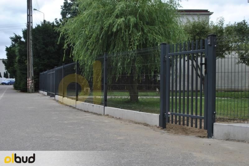 Ogrodzenie Posesji Prywatnej W Gostyniu: Ogrodzenie Panelowe Posesji Prywatnej W Pruszczu Gdańskim